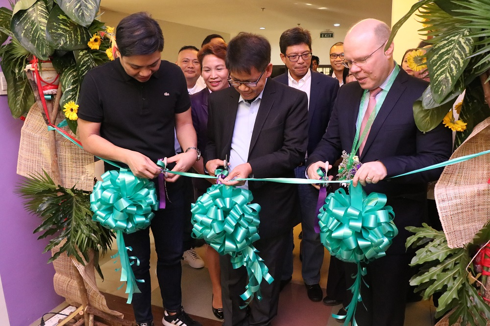 Southville Pioneers Real-Time Financial Trading Lab, South of Manila